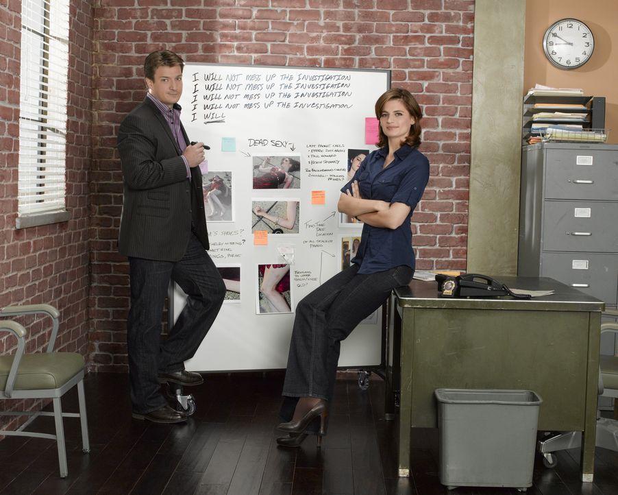 (2. Staffel) - Der erfolgsverwöhnte Krimiautor Richard Castle (Nathan Fillion, l.) packt die Chance, als sich für ihn eine Tür in die reale Welt der... - Bildquelle: ABC Studios