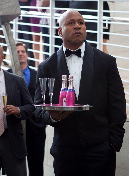 Um einen neuen Fall aufzuklären, ermittelt Sam (LL Cool J) undercover ... - Bildquelle: CBS Studios Inc. All Rights Reserved.