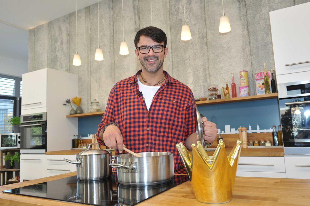 """Die Koschshow """"Küchenkönigin"""" wird unter anderem von Tarik Rose moderiert. - Bildquelle: Andre Kowalski sixx"""