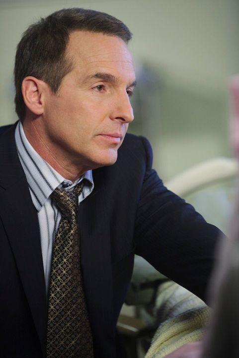 Seine Entscheidung über die Geschlechtsumwandlung einer Patientin geht nach hinten los: Sheldon (Brian Benben) ... - Bildquelle: ABC Studios