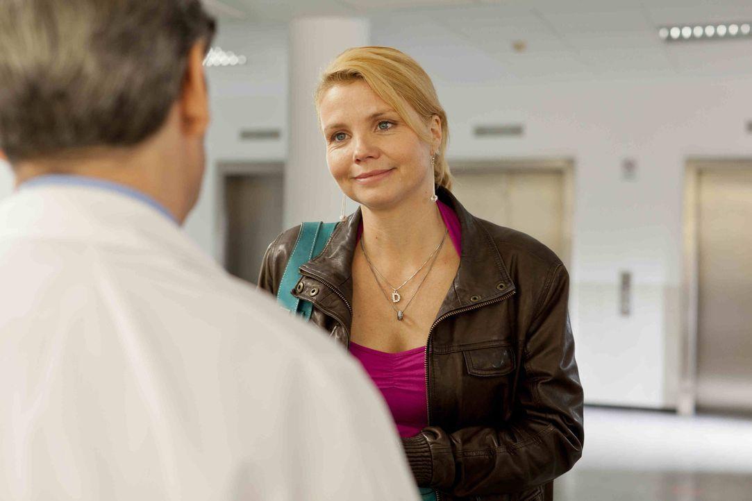 Ein neuer Fall beschäftigt Danni Lowinski (Annette Frier) ... - Bildquelle: Frank Dicks SAT.1