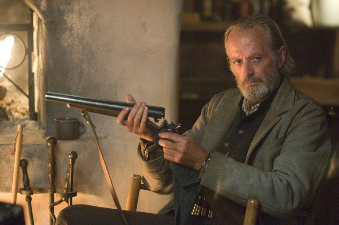 Kopfgeldjäger Byron McElroy (Peter Fonda) hat nur noch ein Ziel: den berüchtigten Banditen Ben Wade zur Strecke zu bringen ... - Bildquelle: 2007 Yuma, Inc. All Rights Reserved.