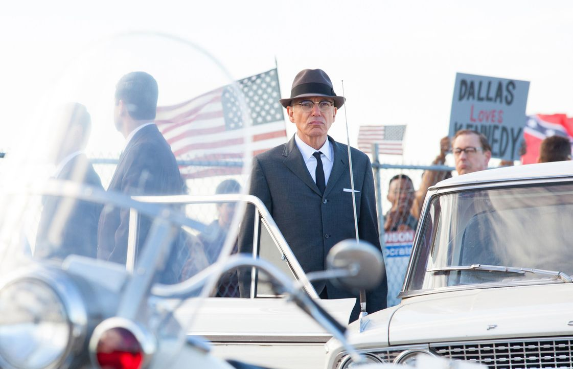 Ahnt nicht, dass in wenigen Minuten auf den Präsidenten ein Attentat verübt wird: Secret Service Agent Forrest Sorrels (Billy Bob Thornton) ... - Bildquelle: Claire Folger 2013 WALLEYE PRODUCTIONS, LLC ALL RIGHTS RESERVED.