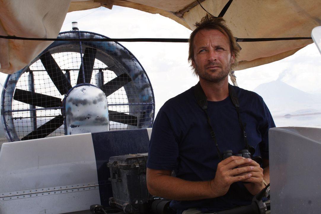 Dokumentarfilmer Matthew Aeberhard (Bild) hat sich zum Natronsee in Tansania begeben, um den Lebenszyklus der Flamingos zu filmen ... - Bildquelle: Danny Aeberhard Disney Enterprises, Inc.  All rights reserved.