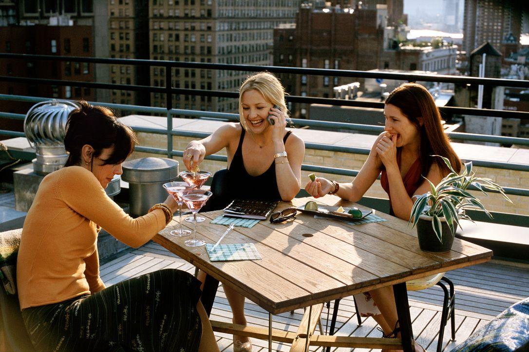 Als eine ihrer besten Freundinnen, Michelle (Kathryn Hahn, r.) - schon wieder - von ihrem Freund verlassen wird, machen sich Jeannie (Annie Parisse,... - Bildquelle: Paramount Pictures