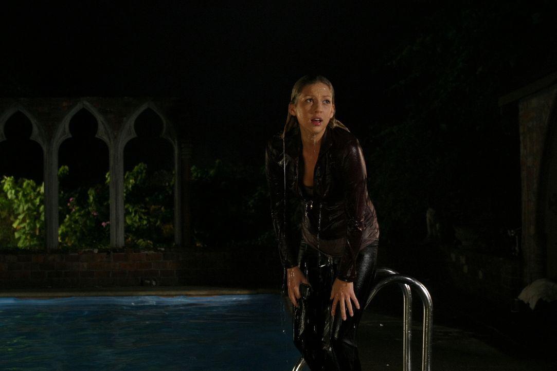 Begeht einen fatalen Fehler: die leichtgläubige Daisy (Miriam McDonald) ... - Bildquelle: 2008   Warner Brothers