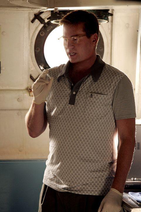 Um herauszukriegen, ob das FBI schon auf Colbys Spur angesetzt ist, spritzt Lancer (Val Kilmer) ihm einen Chemikalien-Cocktail ... - Bildquelle: Paramount Network Television