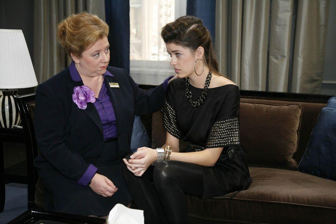 Paula (Regine Hentschel, l.) versucht Amanda (Marie Nasemann, r.) klarzumachen, dass es wichtig ist, eigene Entscheidungen zu treffen ... - Bildquelle: SAT.1
