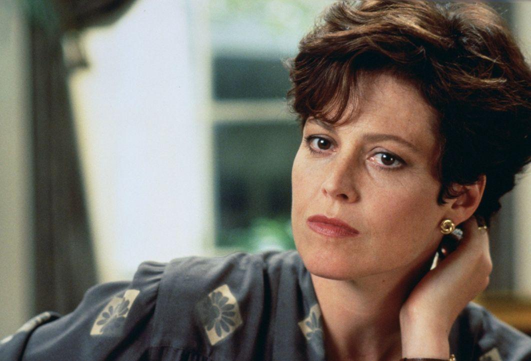 Findet am neuen Präsidenten Gefallen: First Lady Ellen Mitchell (Sigourney Weaver) ... - Bildquelle: Warner Brothers
