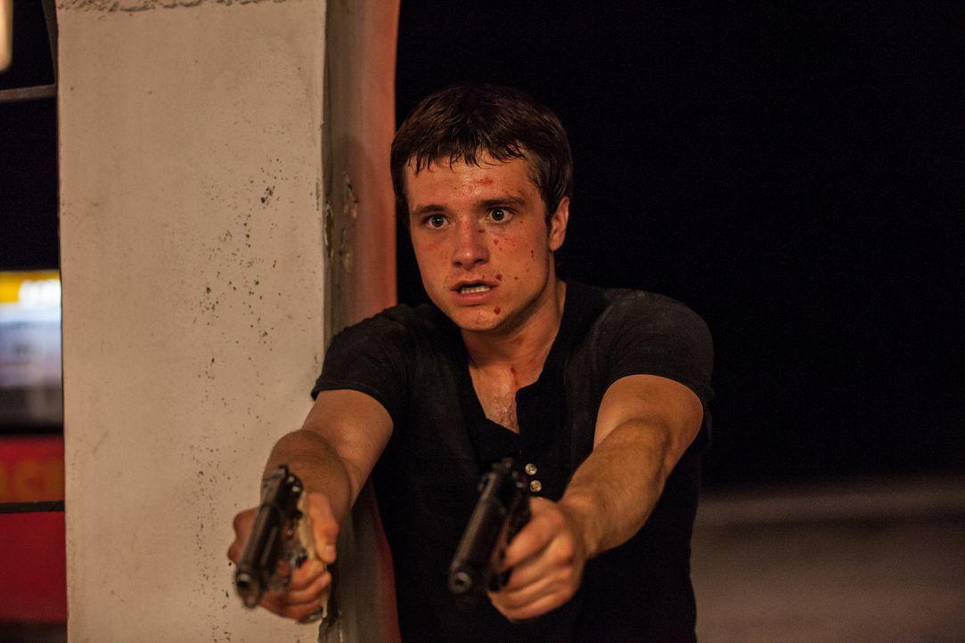 Wird in den Drogenkrieg und den Kampf ums pure Leben hineingezogen, als er sich in die Nichte des kolumbianischen Drogenbosses Pablo Escobar verlieb... - Bildquelle: 2014 CHAPTER 2 - NORSEAN PLUS - PARADISE LOST FILM A.I.E