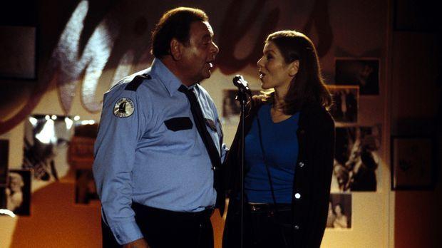 Kann Frank (Paul Sorvino, l.) seiner Tochter Lydia (Heather Paige Kent, r.) w...