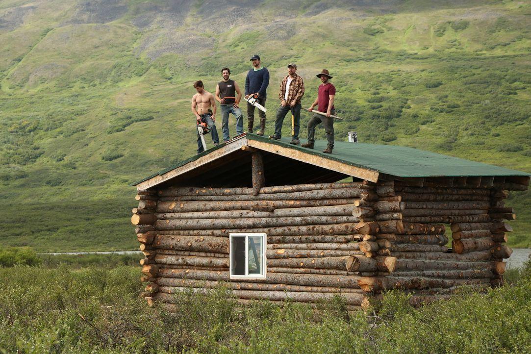 """Sie bauen eine neue Jagdhütte im Nirgendwo, weit weg von der Zivilisation am Sheep Lake und 20 Flugminuten von der """"Rainy Pass Lodge"""" entfernt: (v.l... - Bildquelle: Copyright Notice :  2014,DIY Network/Scripps Networks, LLC. All Rights Reserved"""