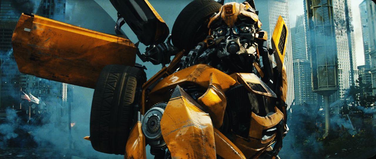 Beinahe zu spät erkennt der treue Bumblebee (Bild), dass dem ehemaligen Anführer der Autobots, Sentinel Prime, nicht besonders viel am Schicksal der... - Bildquelle: 2010 Paramount Pictures Corporation.  All Rights Reserved.
