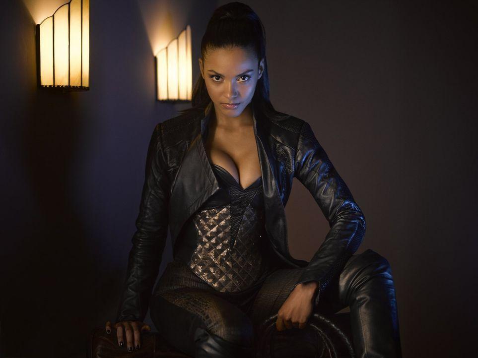(2. Staffel) - Hat viel Freude daran, Chaos in Gotham zu verursachen: Tabitha Galavan (Jessica Lucas), die Schwester des Milliardärs Theo Galavan ... - Bildquelle: Warner Brothers