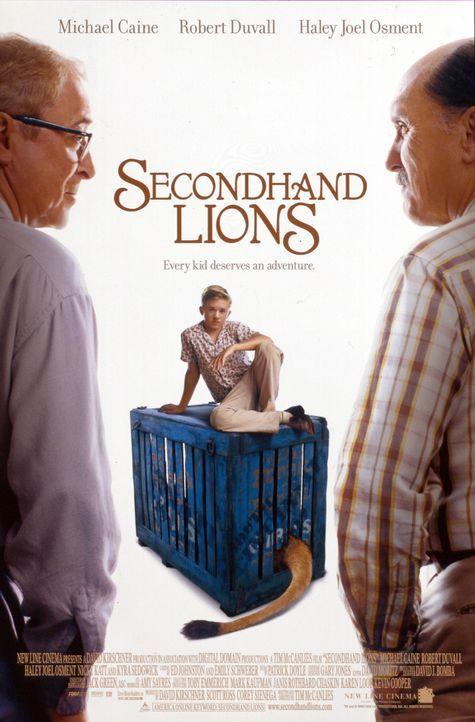 Walter (Haley Joel Osment, M.) wird von seiner überforderten Mutter für den Sommer zu seinen als leicht verrückt oder vertrocknet geltenden Onkel... - Bildquelle: New Line Cinema
