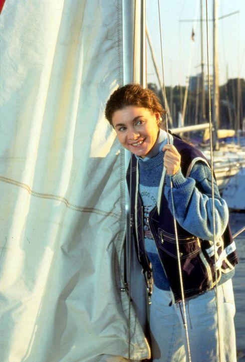 Endlich kann Stefanie (Kathrin Waligura) einmal ausspannen. Sie unternimmt eine Segelpartie ... - Bildquelle: Wiese Sat.1