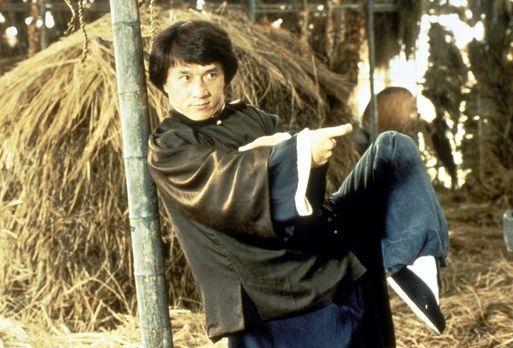 Jackie Chan: Drunken Master - Wong Fei-Hong (Jackie Chan) bevorzugt mit seine...