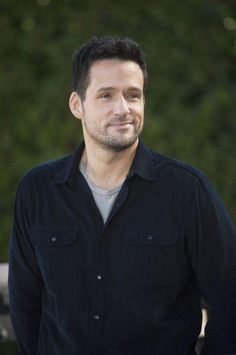 Jules will Grayson (Josh Hopkins) unbedingt davon überzeugen, dass Männer und Frauen befreundet sein können, ohne dass eine sexuelle Anziehung vo... - Bildquelle: 2009 ABC INC.
