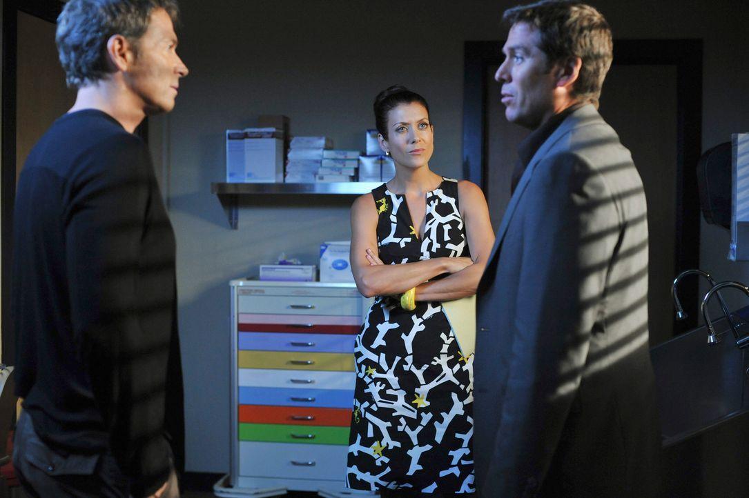 Addison (Kate Walsh, M.) kann bei der Behandlung von Daniels (Alexis Denisof, r.) Frauen kaum die professionelle Distanz bewahren und sucht einen We... - Bildquelle: ABC Studios