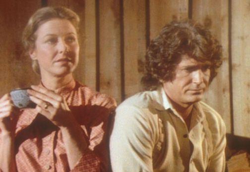 Unsere kleine Farm - Charles (Michael Landon, r.) und Caroline (Karen Grassle...