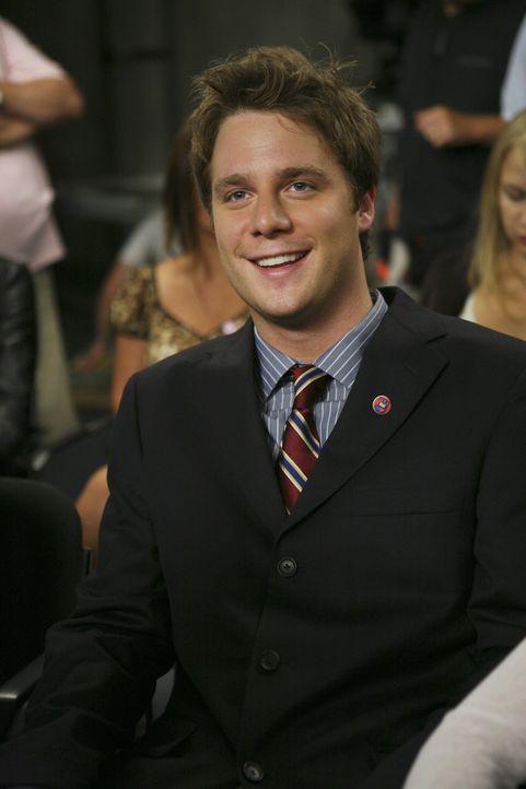 Nachdem Frannie das Gerücht gestreut hat, dass Casey nur noch mit ihm zusammen ist, da sie Präsidentin werden will, stellt Evan (Jake McDorman) sie... - Bildquelle: 2007 ABC FAMILY. All rights reserved. NO ARCHIVING. NO RESALE.