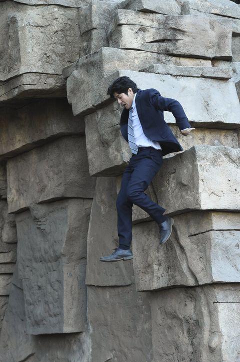 Ein neuer Fall, bei dem Lee (Jon Foo) mal wieder alles geben muss, wartet auf ihn ... - Bildquelle: Warner Brothers