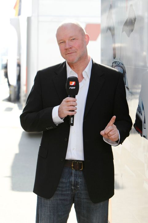 ADAC GT Masters: Motorsport-Kommentator Jacques Schultz ... - Bildquelle: kabel eins