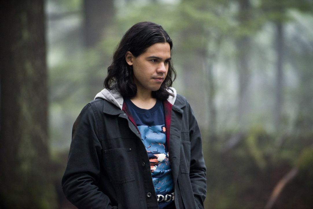 Hat Cisco (Carlos Valdes) ohne seine Fähigkeiten überhaupt eine Chance Barry und Jessica zu finden? - Bildquelle: Warner Bros. Entertainment, Inc.