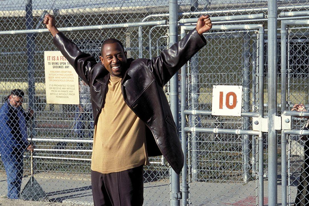 Seine neuen Kollegen arbeiten bei der Polizei: Miles (Martin Lawrence)  ... - Bildquelle: Columbia Pictures