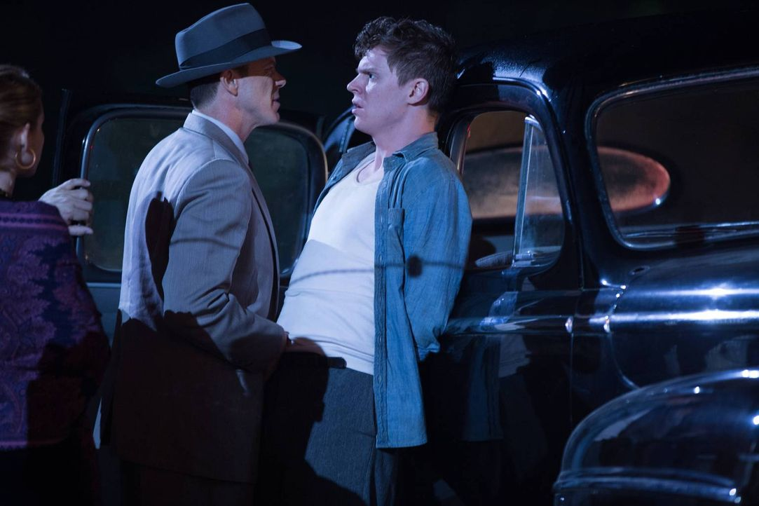 Dandy fast einen neuen Plan, der Jimmy (Evan Peters, r.) den Besuch des Detektives Colquitt (P.J. Marshall, l.) einbringt ... - Bildquelle: 2014-2015 Fox and its related entities. All rights reserved.