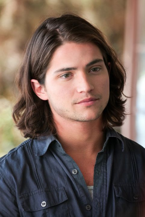 Ausgerechnet Jesse (Thomas McDonell), der Motorrad fahrende, arrogante Bad Boy der Schule, soll beim Wiederaufbau der Abschlussball-Dekoration mithe... - Bildquelle: Richard Foreman Jr., SMPSP Disney Enterprises, Inc. All Rights Reserved.
