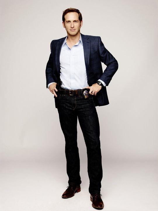 (1. Staffel) - Lauras Noch-Ehemann Jake Broderick (Josh Lucas) ist ebenfalls Polizist und wird zum Leidwesen von Laura auch noch ihr Vorgesetzter au... - Bildquelle: Warner Bros. Entertainment, Inc.