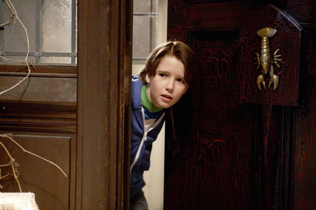Finn (Christian Martyn) versucht, die Einbrecher irgendwie aufhalten ... - Bildquelle: 2012 Twentieth Century Fox Film Corporation.  All rights reserved.