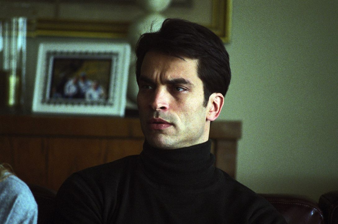 Der Diplomat David Huxley (Johnathon Schaech) verbringt mit seiner Verlobten Tish und einer verführerischen Fremden ein erotisches Wochenende in Bud... - Bildquelle: 2005 Sony Pictures Home Entertainment Inc. All Rights Reserved.