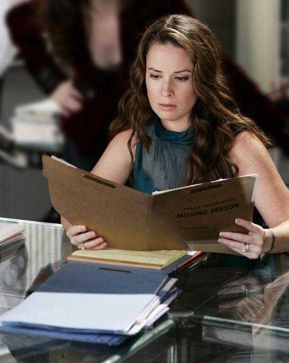 Piper (Holly Marie Combs) ist auf der Suche nach einem Mittel, um Billie zu retten ... - Bildquelle: Paramount Pictures