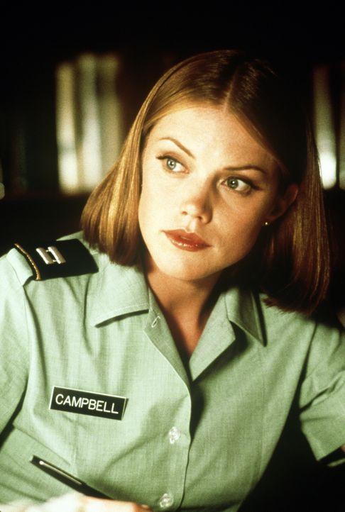 Unter dem Kommando ihres Vaters hat die schöne Elisabeth Campbell (Leslie Stefanson) als Psychologin und Offizierin der US-Army gedient. Doch dann g... - Bildquelle: Paramount Pictures