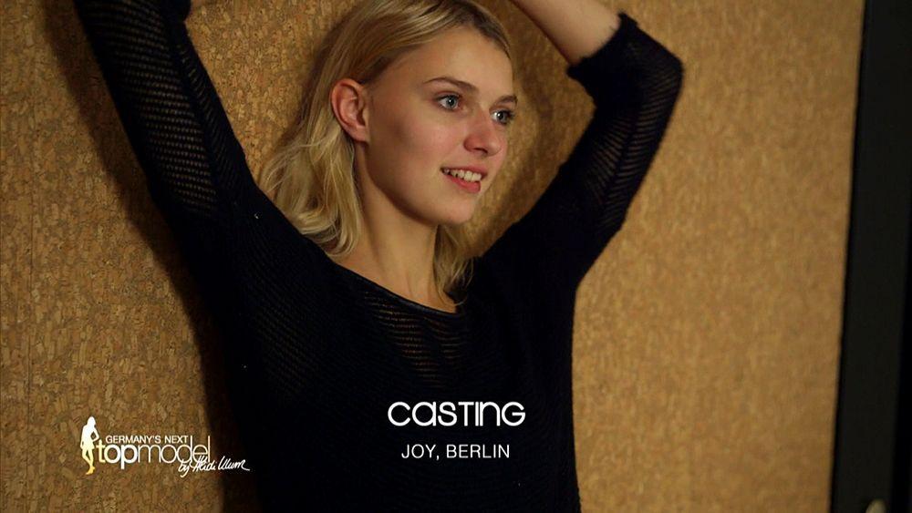 GNTM-09-Epi10-Casting-Fashion-Week_19