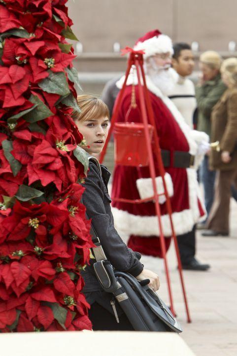 Was ist mit Lily Lockhart (Michelle Trachtenberg) los? - Bildquelle: CBS Studios Inc. All Rights Reserved.