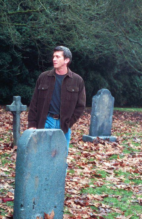 Hat seinen Sohn in einem tobenden Tornado verloren: der geschasste Pete Jensen (Joe Lando) ... - Bildquelle: Cinetel Films Inc.