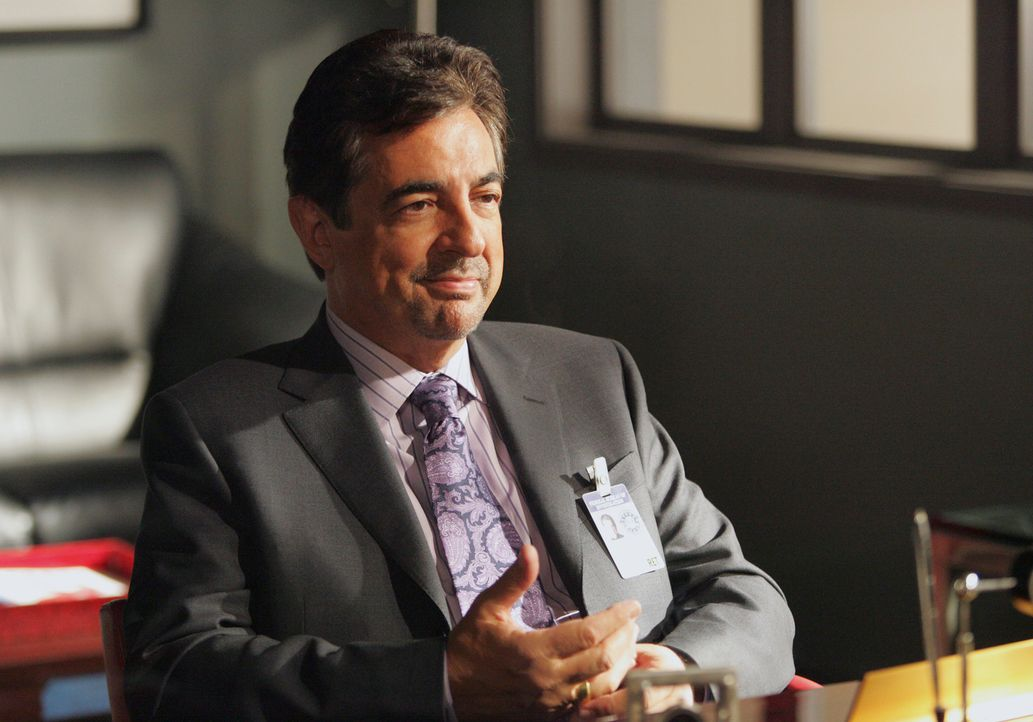 Neu im Team: David Rossi (Joe Mantegna) ... - Bildquelle: Touchstone Television