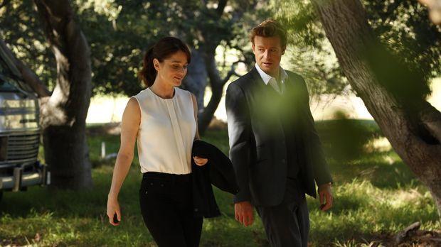 Ein neuer Fall beschäftigt Teresa Lisbon (Robin Tunney, l.) und Patrick Jane...