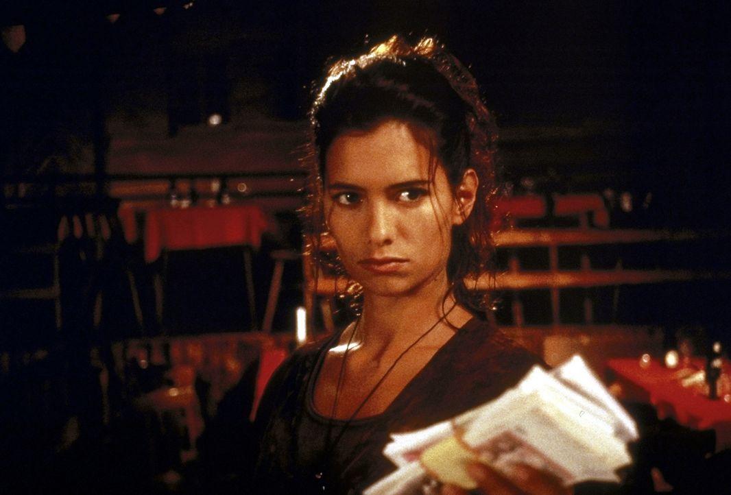 Die kluge Michelle (Sandra Speichert) lässt sich auch nicht mit Geld beeinflussen ... - Bildquelle: Nusch ProSieben