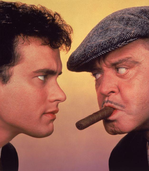 Sie haben nichts gemeinsam: Vater Max (Jackie Gleason, r.) und Sohn David (Tom Hanks, l.) ... - Bildquelle: 1986 TriStar Pictures, Inc. All Rights Reserved.
