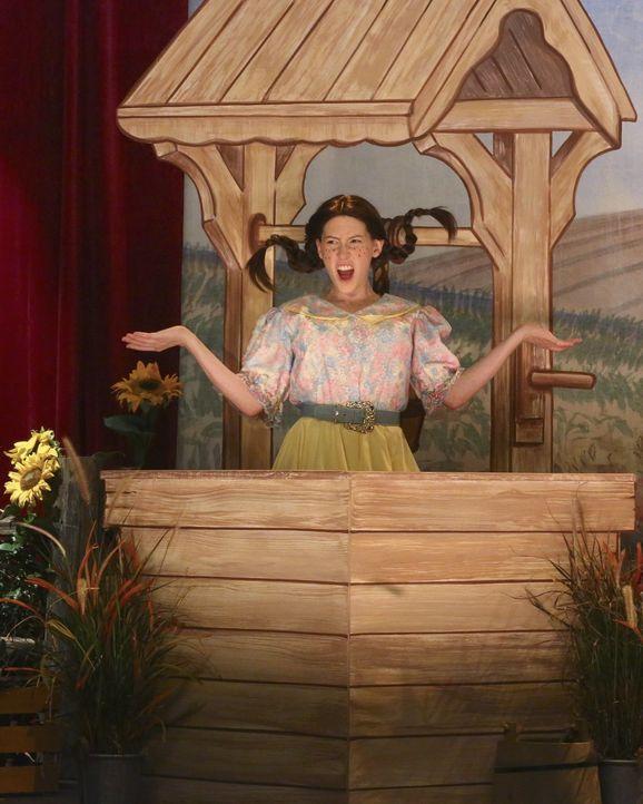 Sue (Eden Sher) entschließt sich dazu, ihr Hauptfach zu wechseln. Ist das wirklich eine gute Idee? - Bildquelle: Warner Bros.