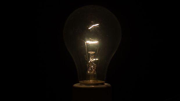 Glühbirne mit dimmendem Licht