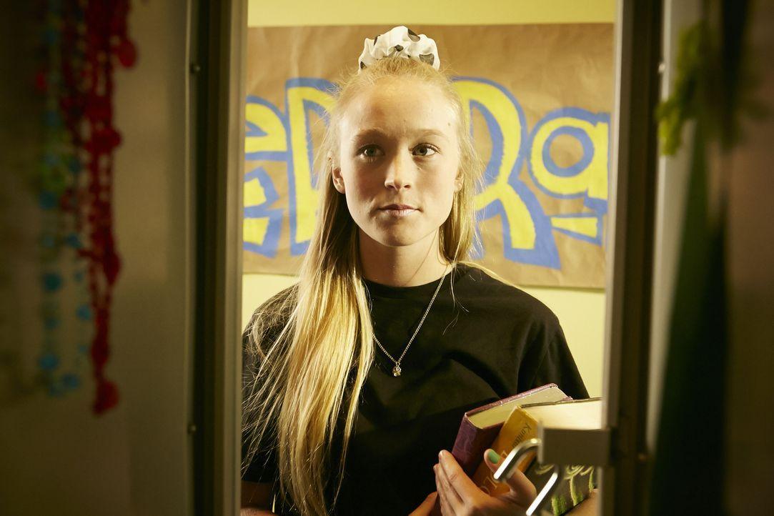 An ihrem letzten Tag als High School-Neuling, wird die 14-jährige Jessica McHenry (Cassie Williams) brutal geschlagen und in Brand gesetzt. Das schr... - Bildquelle: Ian Watson Cineflix 2015