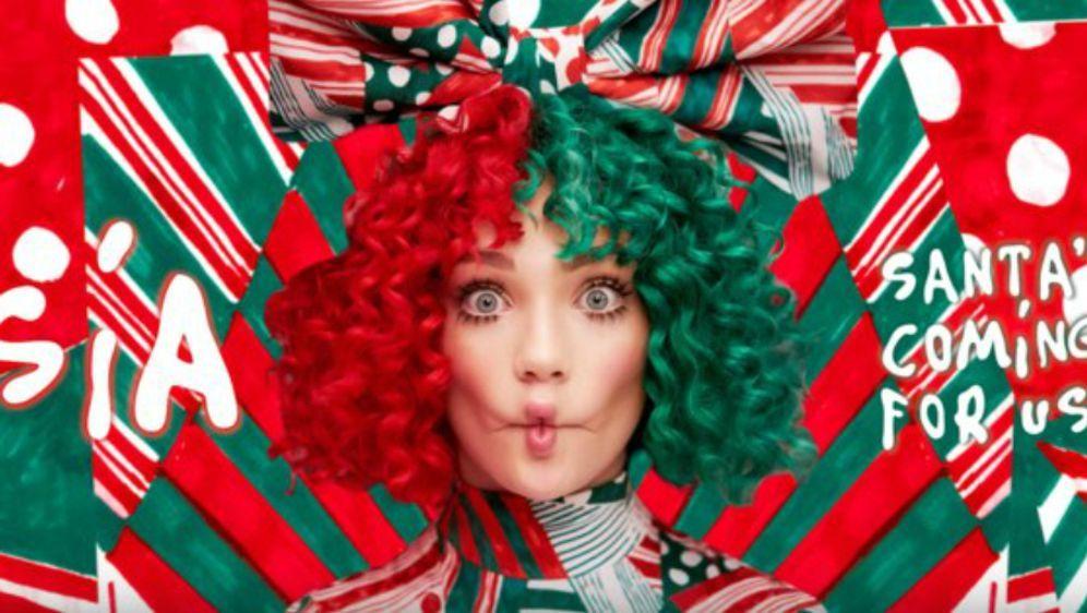 Santa's Coming For Us - Bildquelle: Warner Music