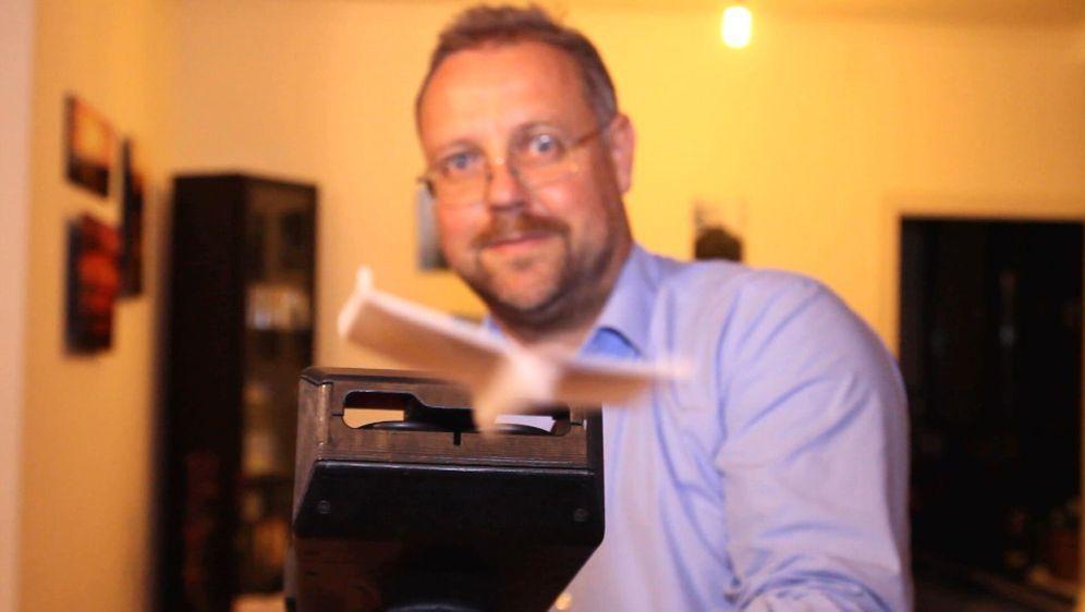 Webphänomen: Papierflieger Maschinengewehr