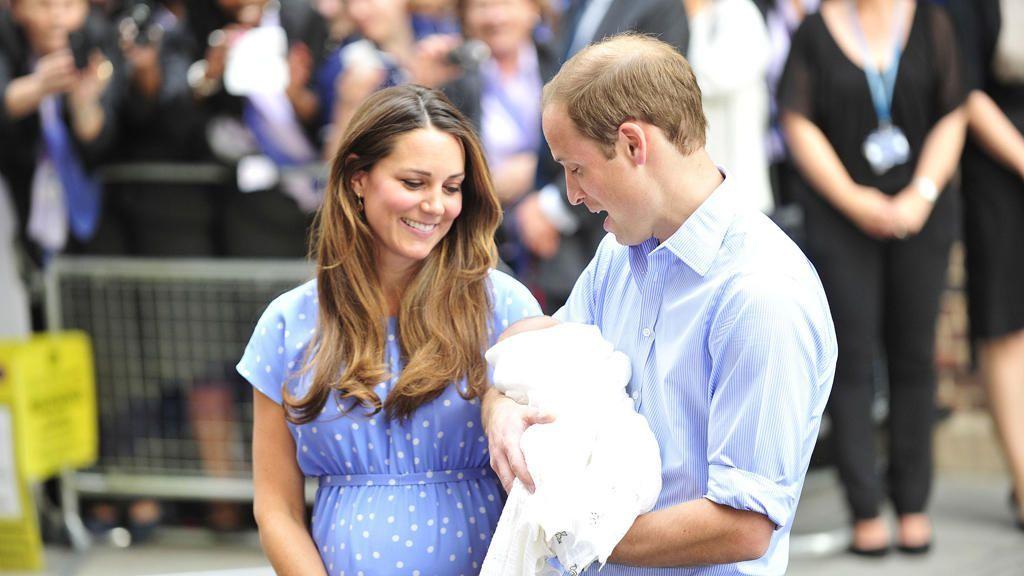 Kate Middleton und Prinz William: Das Baby heißt George Alexander Louis - Bildquelle: WENN.com