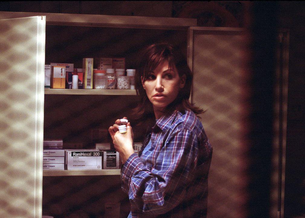 Als die Gefängnis-Psychologin und Ex-Alkoholikerin Dr. Lila Colleti (Gina Gershon) den Sorgerechtsprozess um ihre beiden Töchter verliert, kann si... - Bildquelle: ApolloMedia